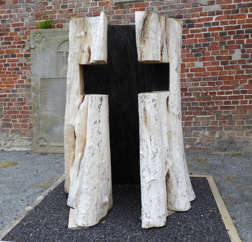 Kreuz von Claus Wettermann (© 2017 Walter Martinat)