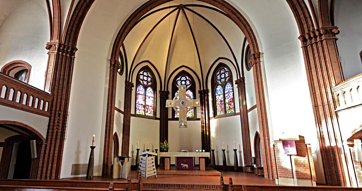 Altarraum der Ohmsteder Kirche